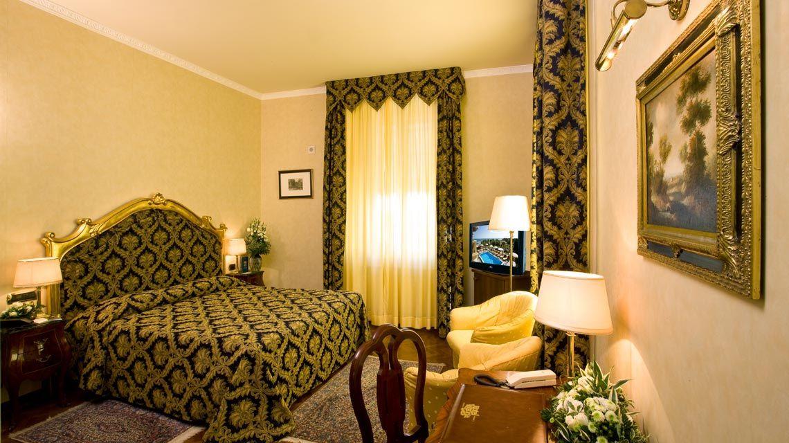 Grand Hotel Pesaro  Stelle